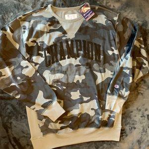 Champion camp sweater size xl